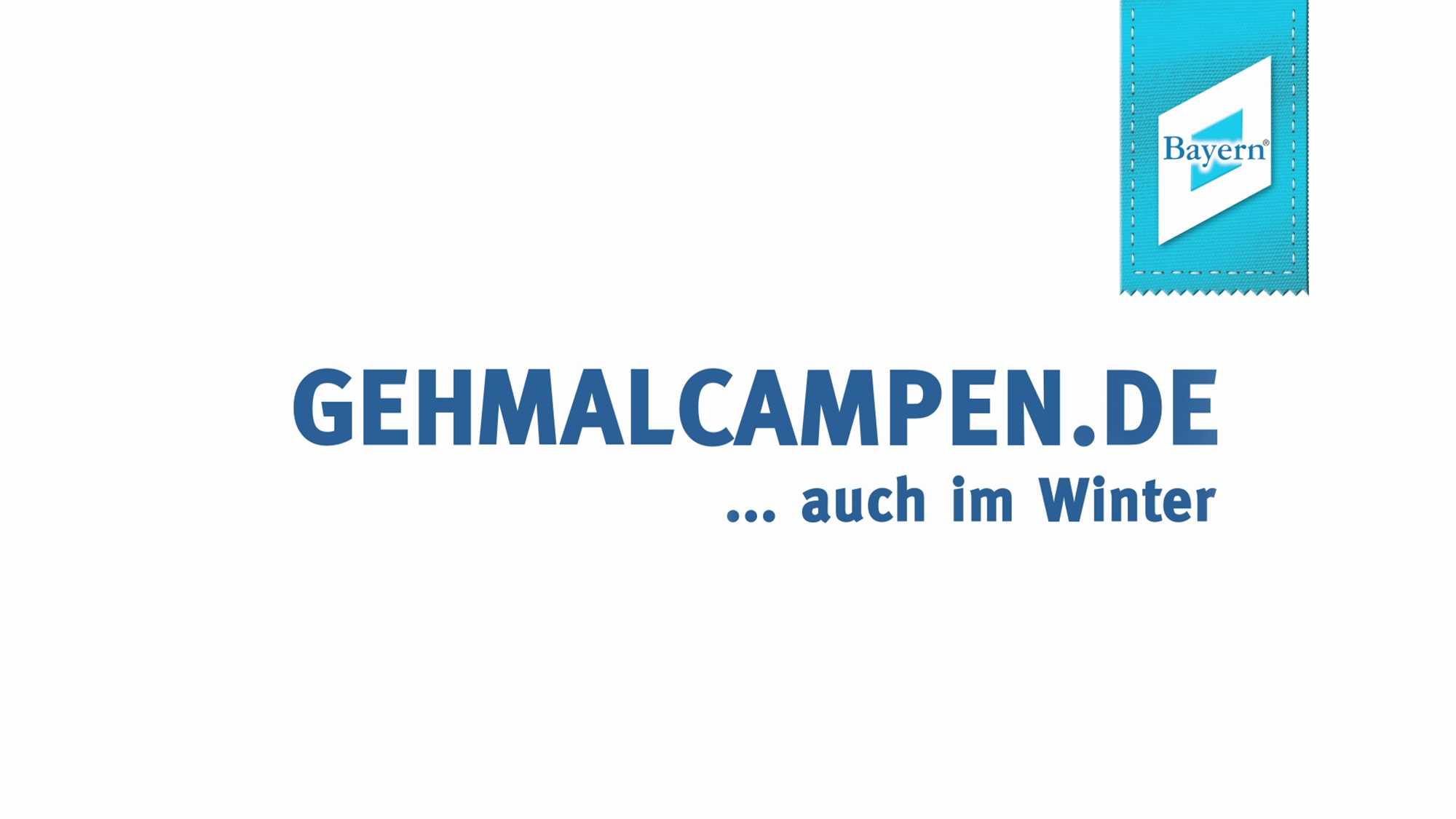"""Das Bild zeigt eine blaue Schrift auf einem weißen Untergrund. Man liest """"Gehmalcampen.de ... Auch im Winter"""". Das Bild dient als Sliderbild für den Portfolioeintrag Bayerntourismus Wintercamping in Bayern von Panda Pictures."""