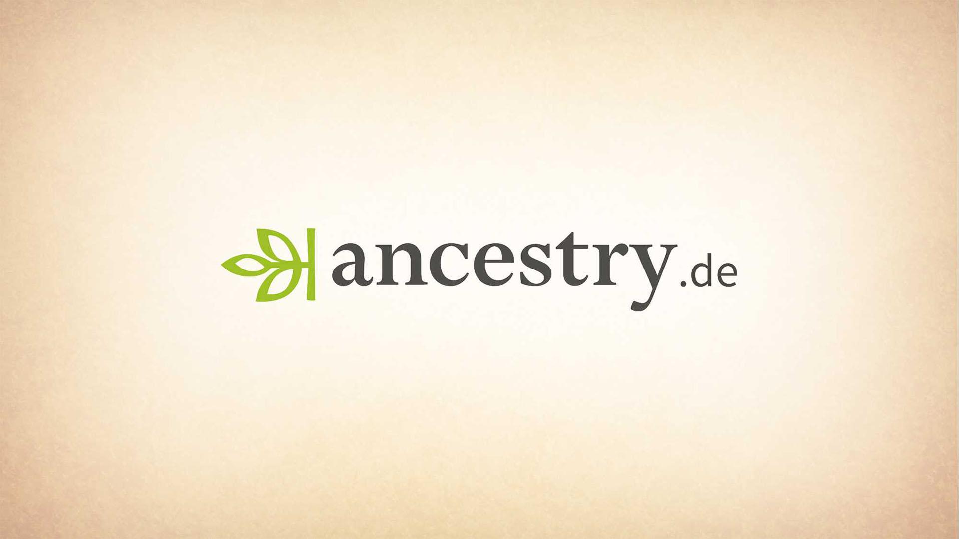 """Das Bild zeigt einen braunen Hintergrund mit einem animierten, eingebetteten Text. Der Text zeigt ein grünes Blatt, das Logo von ancestry, sowie die Worte """"ancestry.de"""" Das Bild dient als Sliderbild für den Portfolioeintrag Ancestry – DRTV Spot von Panda Pictures."""