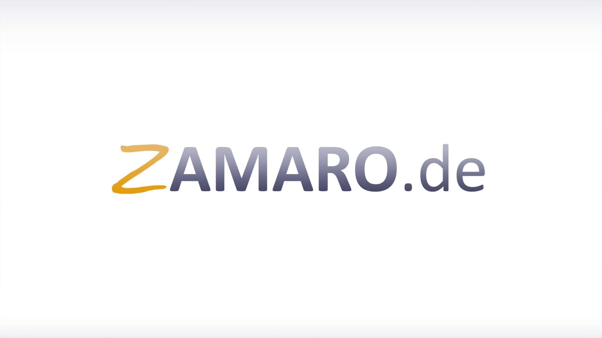 """Das Bild zeigt einen Hintergrund in der Farbe weiß. Auf ihm eingebettet ist das Wort """"Zamaro.de"""" zu lesen. Die Buchstaben sind schwarz, bis auf das Z, dieses ist gelb. Das Bild dient als Sliderbild für den Portfolioeintrag Zamaro von Panda Pictures."""